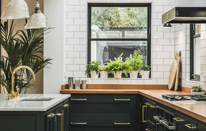 7 Reasons to Choose Dark Kitchen Units