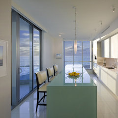 modern kitchen by Dan Forer, Photographer