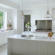Traditional Kitchen by Jarosz Architect, P.A.
