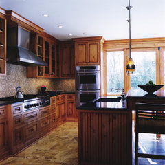 traditional kitchen by Michael Menn Ltd.