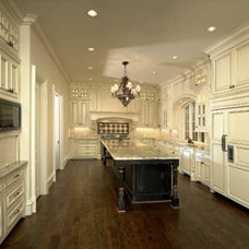 Traditional Kitchen by MICHAEL MOLTHAN LUXURY HOMES
