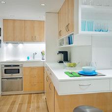 Contemporary Kitchen by Allen+Killcoyne Architects