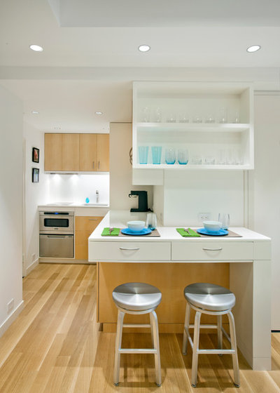 Usa houzz space saving tricks make the living easy in for Houzz small apartments
