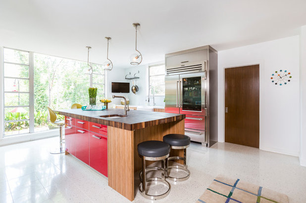 Midcentury Kitchen by Laura U, Inc.