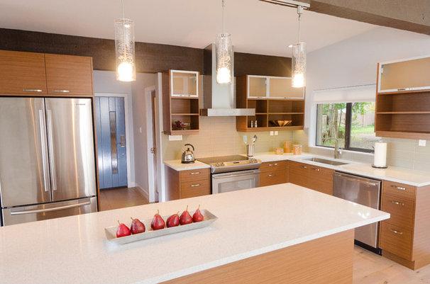 Midcentury Kitchen by Denise Mitchell Interiors