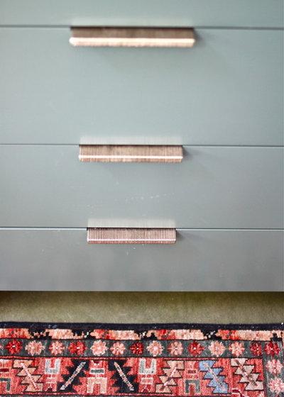 Midcentury Kitchen by cocoon home design
