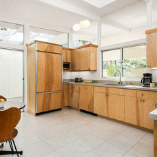 Midcentury Kitchen by Iconic Palm Springs Vacation Rentals
