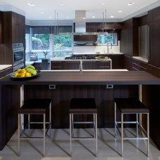 Modern Kitchen by Poliform|sagartstudio