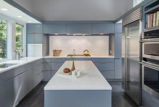 Midcentury Kitchen by Flavin Architects
