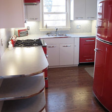 Midcentury Kitchen by bootlace design and build