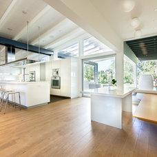 Midcentury Kitchen by Nest Architectural Design, Inc.