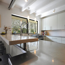 Midcentury Kitchen by T.A.S Construction