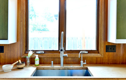 Kitchen of the Week: Walls Come Down in a Colorful Midcentury Space