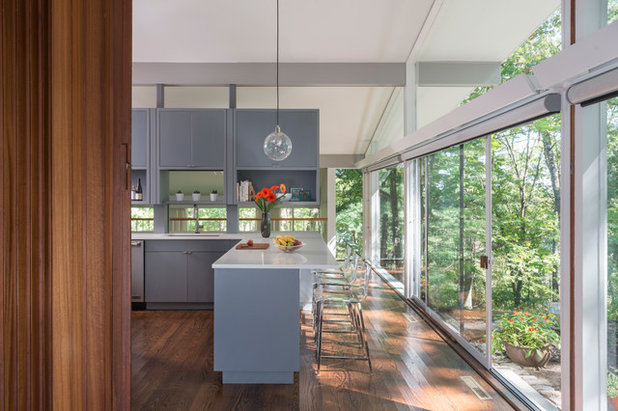Midcentury Kitchen by Flavin Architects