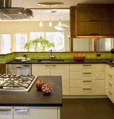 modern kitchen by Brennan + Company Architects