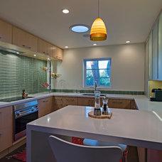 Modern Kitchen by Taylordesign + BUILD