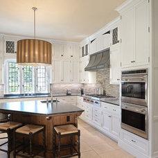 Traditional Kitchen by Douglas VanderHorn Architects