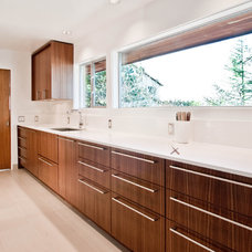 Midcentury Kitchen by BUILD LLC