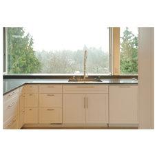 Midcentury Kitchen by Hyde Evans Design