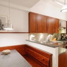 Midcentury Kitchen by Abelow Sherman Architects LLC