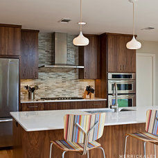 Modern Kitchen by Soledad Builders, LLC