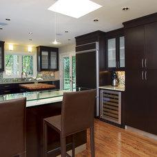 Modern Kitchen by Designs by BSB