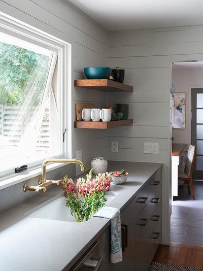 Midcentury Kitchen by Studio Tupelo Modern Interiors