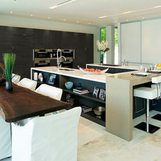 Contemporary Kitchen by tuthill architecture