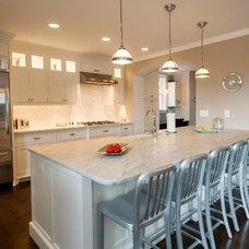 Midcentury Kitchen by Ballard + Mensua Architecture