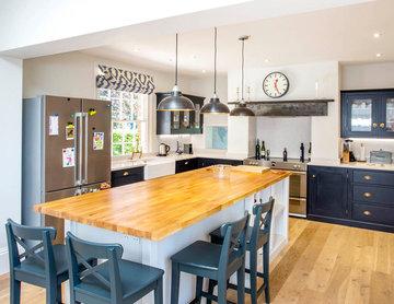 Midnight blue kitchen - Berkshire