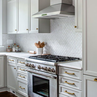 Traditional kitchen pictures - Kitchen - traditional kitchen idea in Atlanta