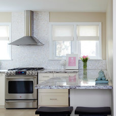 Traditional Kitchen by SC Home