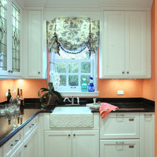 Traditional Kitchen by 708 Studios, LLC