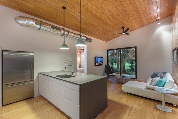 Современный Кухня by Josh Wynne Construction
