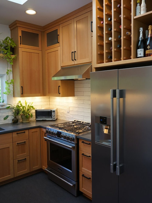 Small Minimalist Enclosed Kitchen Photo In Portland With An Undermount Sink Shaker Cabinets Light