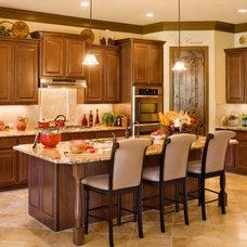 Mediterranean Kitchen by Sitterle Homes