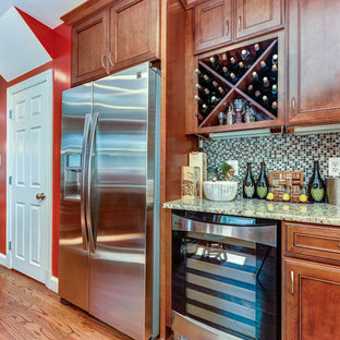 Traditional kitchen pictures - Example of a classic kitchen design in DC Metro with granite countertops