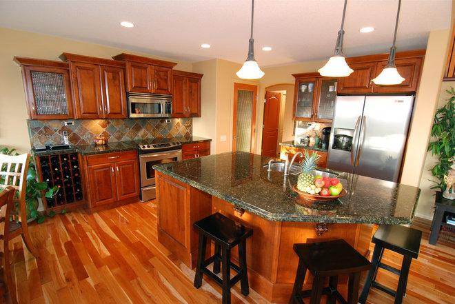 Traditional Kitchen by Mill Creek Mfg ltd