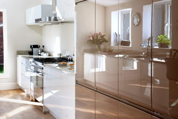 Contemporary Kitchen by Haus12 Interiors
