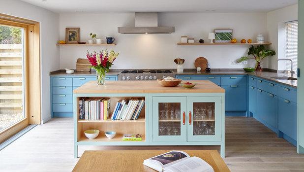 Skandinavisch Küche by Lacy-Hulbert Interiors Ltd