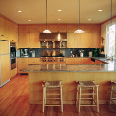 Contemporary Kitchen by NORMAN CHARLES CONSTRUCTION