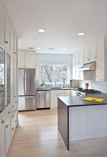 Eclectic Kitchen by Jordan Parnass Digital Architecture