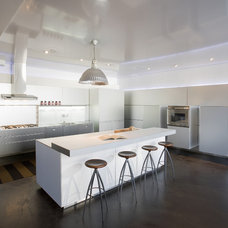 Contemporary Kitchen by MusaDesign Interior Design