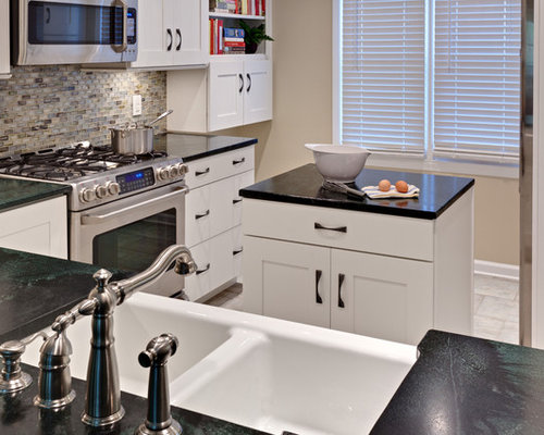 Small kitchen island with sink houzz for Houzz small kitchens