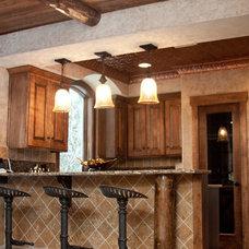 Traditional Kitchen by rak'designs