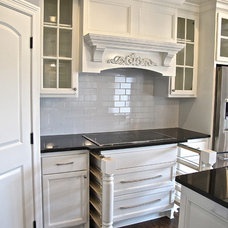 Traditional Kitchen by JANE KERWIN HOMES LTD