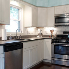 Contemporary Kitchen by Kitchens Made Simple