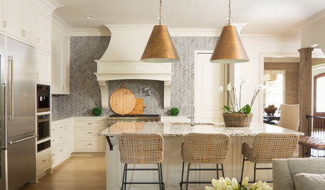 New This Week: 3 Welcoming White-Cabinet Kitchens
