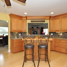 Traditional Kitchen by Advantage Carpentry & Remodeling, LLC