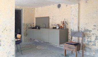 miniki, the perfectly camouflaged kitchen
